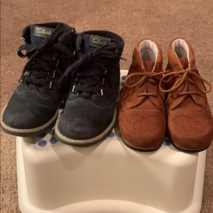Clarks toddler boy boots and Petit shoes size US9